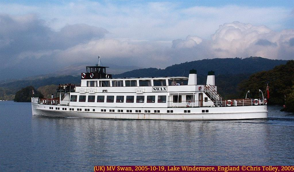 (UK) MV Swan, 2005-10-19-15-47-16, Lake Windermere